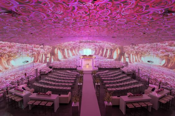 Video mapping example from Brides with floral theme
